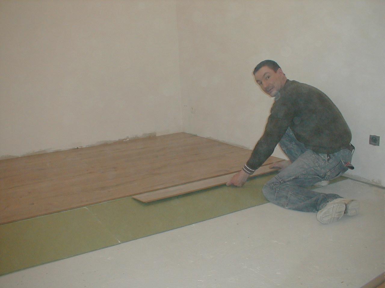 Cambrin – rez-de-chaussée – revêtement de sol. «